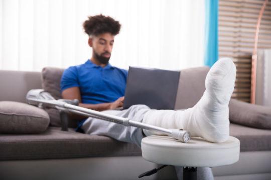man-in-leg-cast-1.jpg